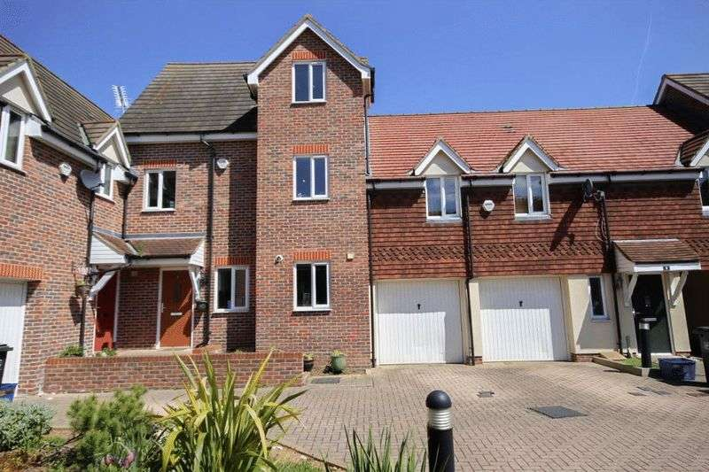 4 Bedrooms House for sale in Lysander Court, High Road, North Weald, Essex