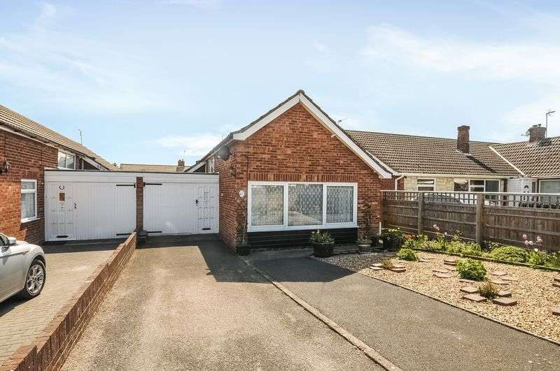 2 Bedrooms Detached Bungalow for sale in Warner Crescent, Didcot