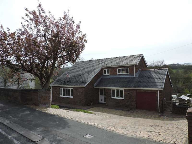 3 Bedrooms Property for sale in Brecon Road, Penycae