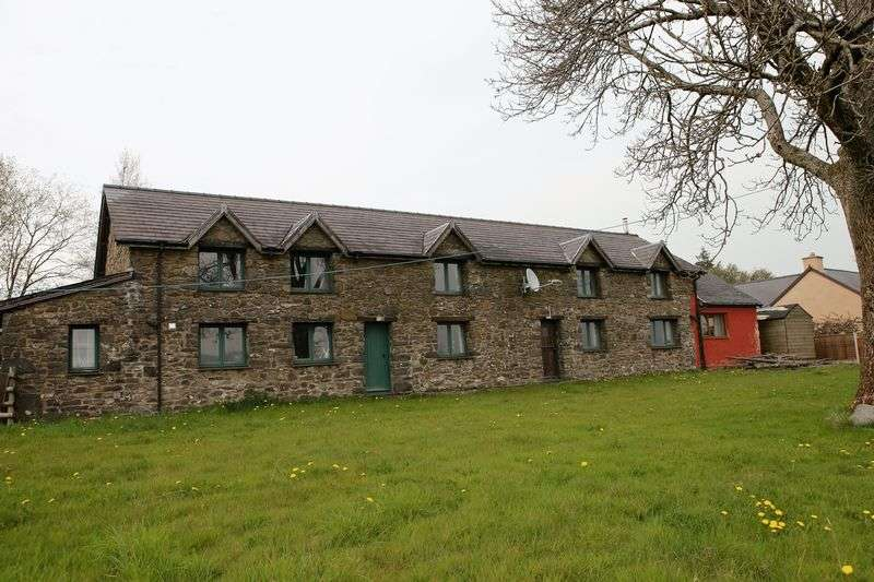 3 Bedrooms Detached House for sale in Cefn Coch, Welshpool