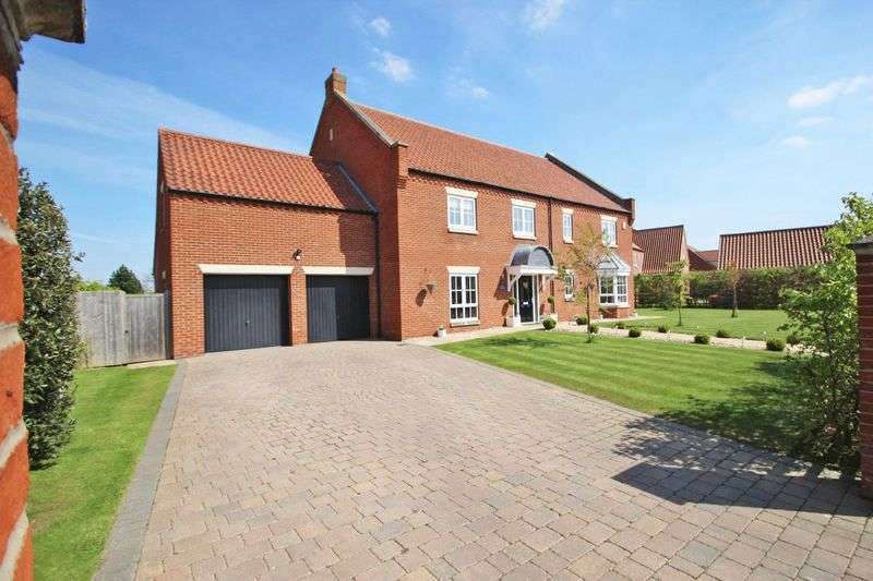 5 Bedrooms Detached House for sale in GOLF COURSE LANE, WALTHAM