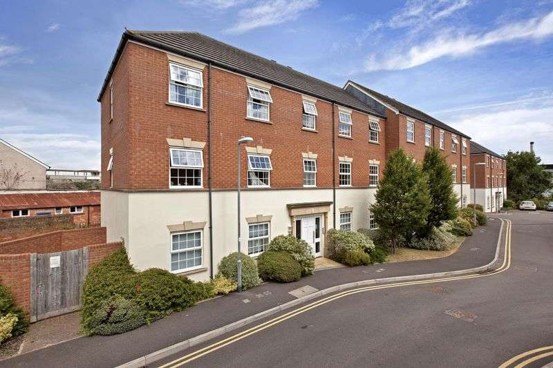 1 Bedroom Flat for sale in TOWN CENTRE