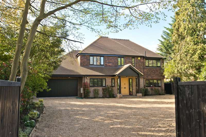 5 Bedrooms Detached House for sale in Cobham Road, Fetcham, Leatherhead, Surrey, KT22