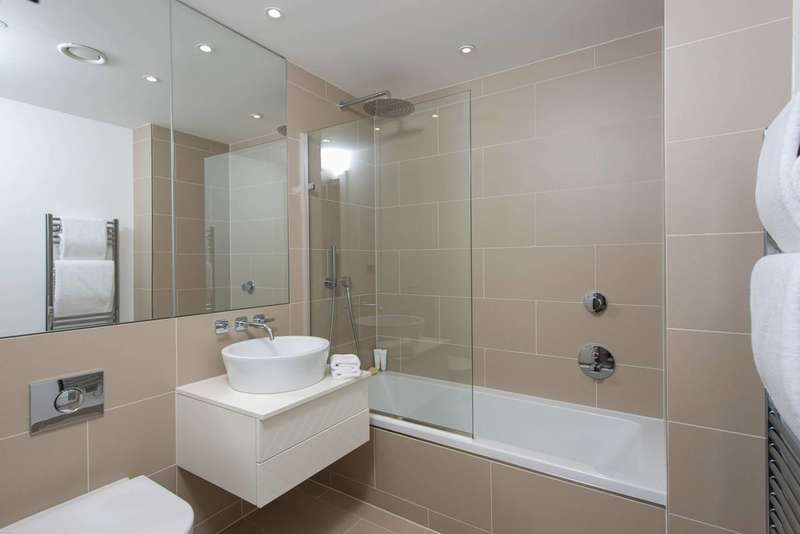 3 Bedrooms Flat for sale in Holland Park Avenue, Holland Park, W11