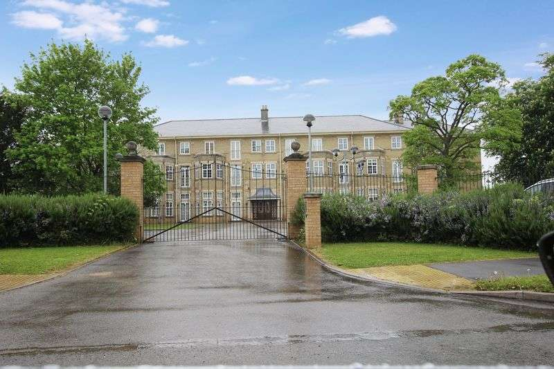 2 Bedrooms Flat for sale in Apartment 12, Cathedral Heights, Bracebridge Heath