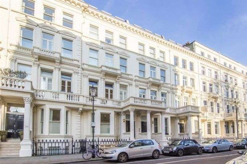 2 Bedrooms Flat for sale in Kensington, London