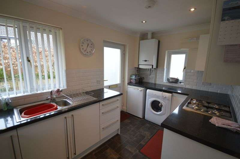 2 Bedrooms Detached Bungalow for sale in Belmont Road, St. Austell