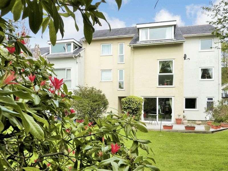 2 Bedrooms Flat for sale in Ffordd Garnedd, Menai Marina, Y Felinheli, Gwynedd.