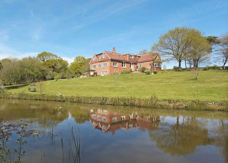 5 Bedrooms Detached House for sale in Moat Lane, Waldron, East Sussex