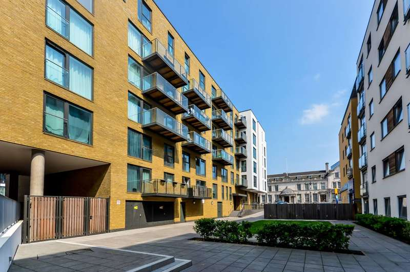 2 Bedrooms Flat for sale in Deals Gateway, Greenwich, SE10