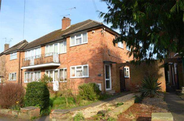 3 Bedrooms Maisonette Flat for sale in Coniston Road, Leamington Spa, Warwickshire