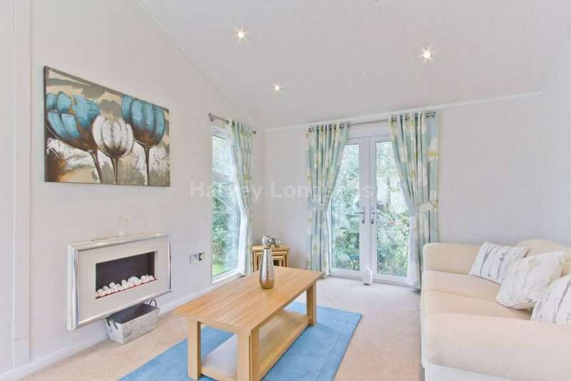 2 Bedrooms Lodge Character Property for sale in Roughlee, Lancashire