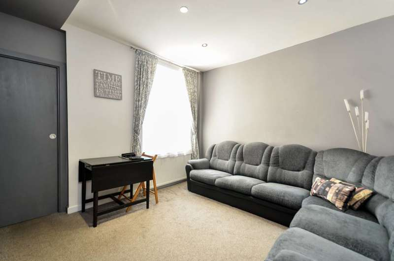 3 Bedrooms Terraced House for sale in Fulbourne Road, Walthamstow, E17