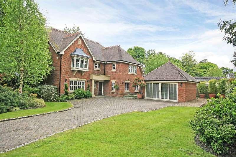 5 Bedrooms Detached House for sale in Woodham Gate, Woodham, Surrey, GU21