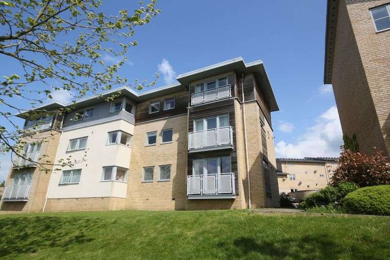 2 Bedrooms Flat for sale in Valentin Court, Pinewood Drive, Cheltenham