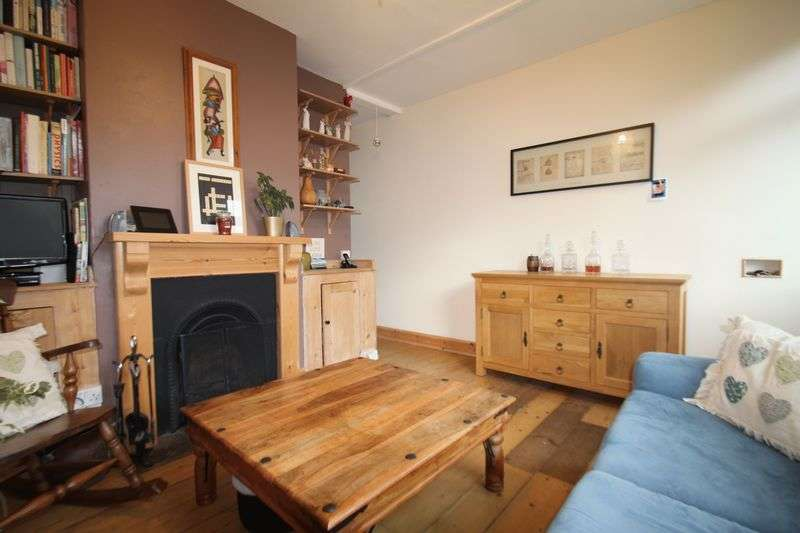 2 Bedrooms Terraced House for sale in Victoria Road, Cowes