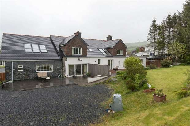 5 Bedrooms Detached House for sale in Cwmann, Lampeter, Carmarthenshire