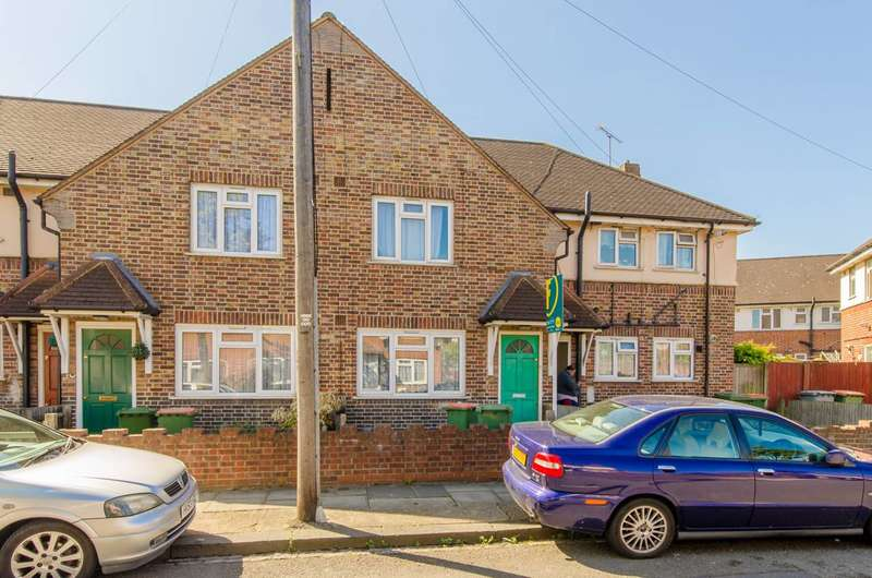 2 Bedrooms Maisonette Flat for sale in Macgregor Road, Beckton, E16