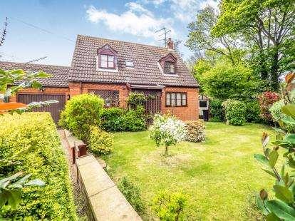 3 Bedrooms Bungalow for sale in Happisburgh, Norwich, Norfolk