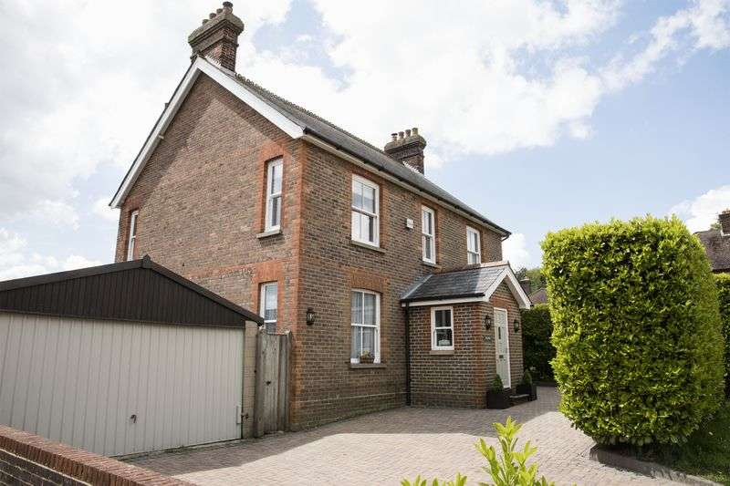 5 Bedrooms Detached House for sale in West Beeches Road, Crowborough, East Sussex