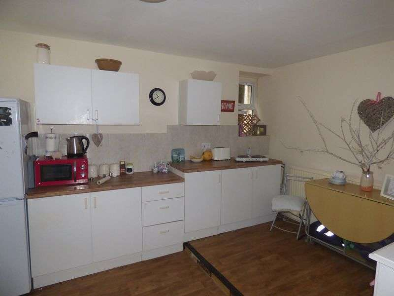 3 Bedrooms Terraced House for sale in Commercial Street, Port Talbot