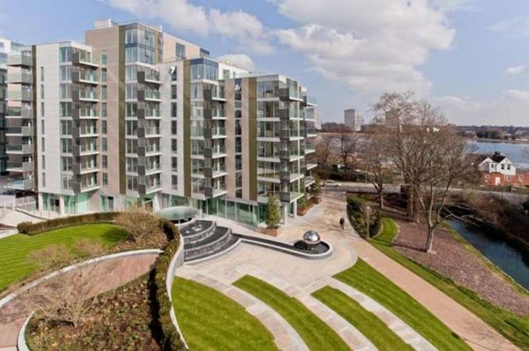 2 Bedrooms Flat for sale in Residence Tower, Woodberry Park, Finsbury