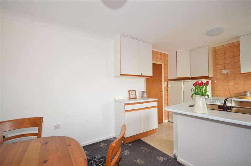 2 Bedrooms Terraced House for sale in Lunedale Road, Dartford, Kent
