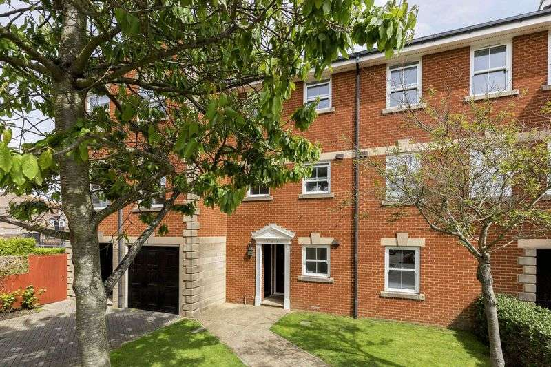 1 Bedroom Flat for sale in Camber Place, Old Portsmouth