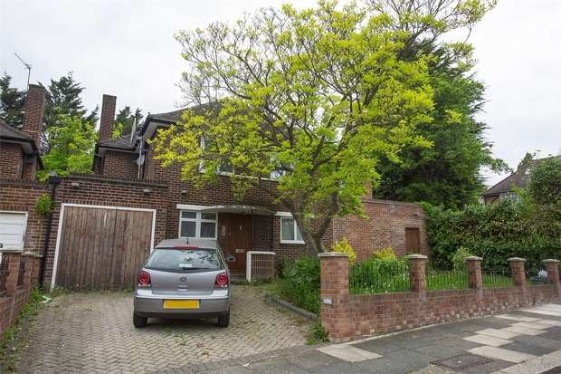 5 Bedrooms Detached House for sale in Ashbourne Road, Ealing