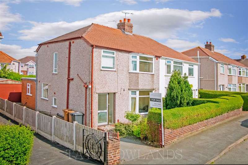 3 Bedrooms Semi Detached House for sale in First Avenue, Flint