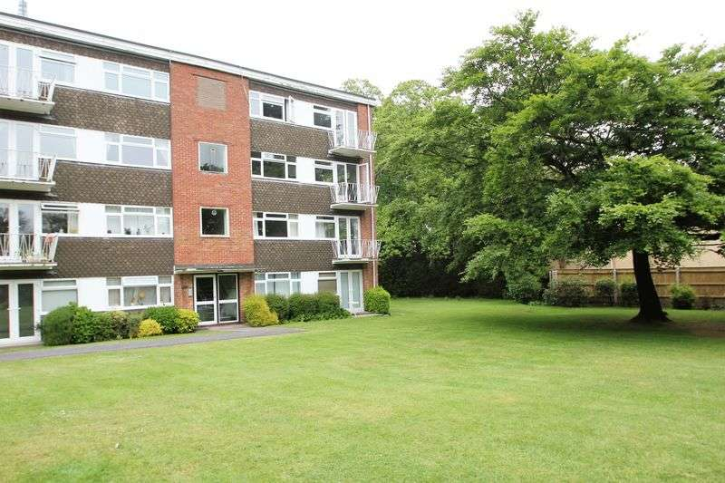 2 Bedrooms Flat for sale in Purbeck Heights, Mount Road, Poole