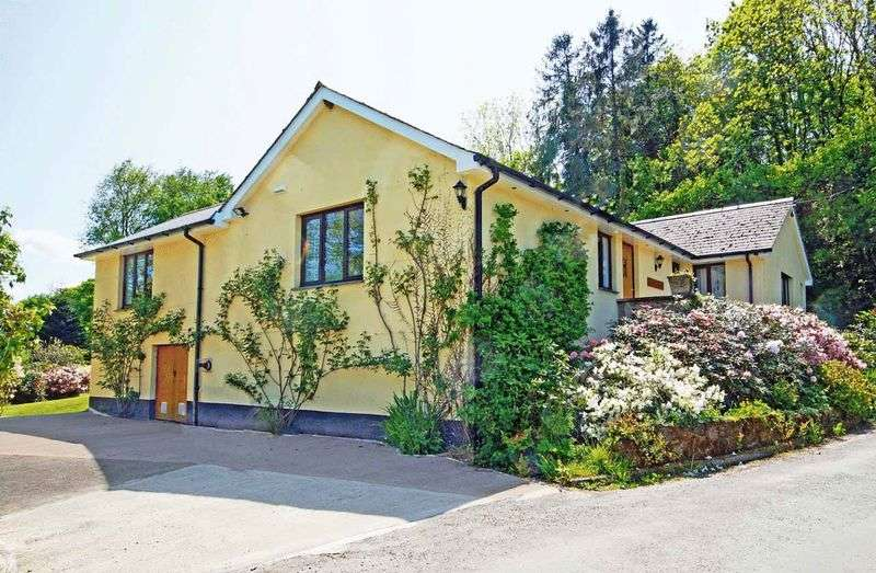 3 Bedrooms Property for sale in NEAR SOUTH MOLTON - BRAY VALLEY