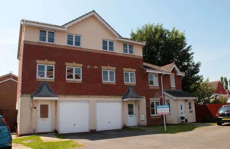 3 Bedrooms Terraced House for sale in Watling Close, Bracebridge Heath. LN4 2BD