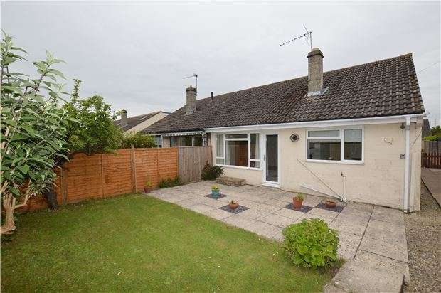 2 Bedrooms Detached House for sale in Longlands Close, Bishops Cleeve, CHELTENHAM, GL52 8JN