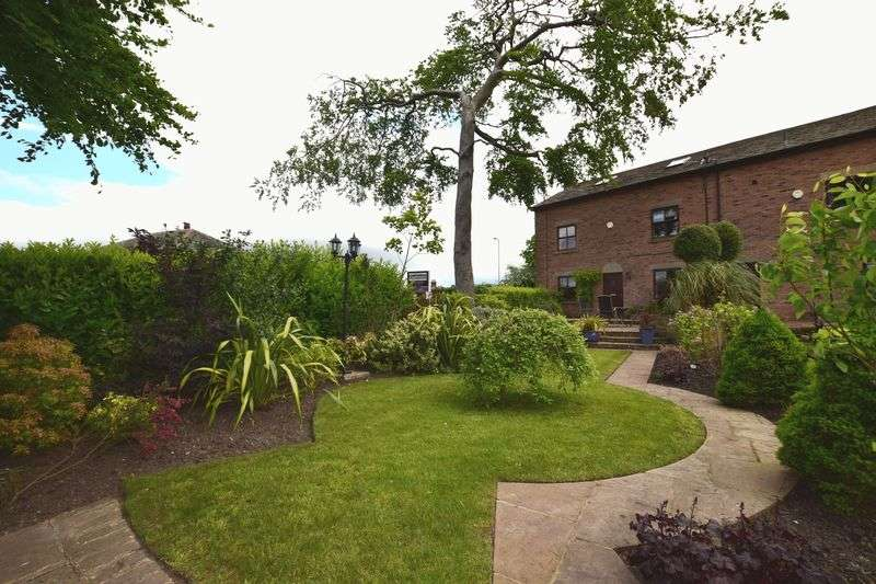 5 Bedrooms Semi Detached House for sale in The Gates, Arthur Lane, Harwood