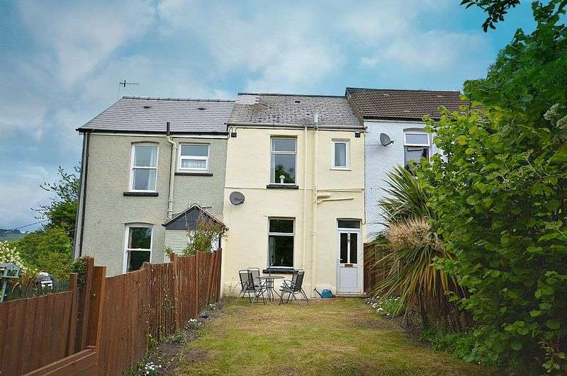 2 Bedrooms Terraced House for sale in Pontyfelin Lane, New Inn