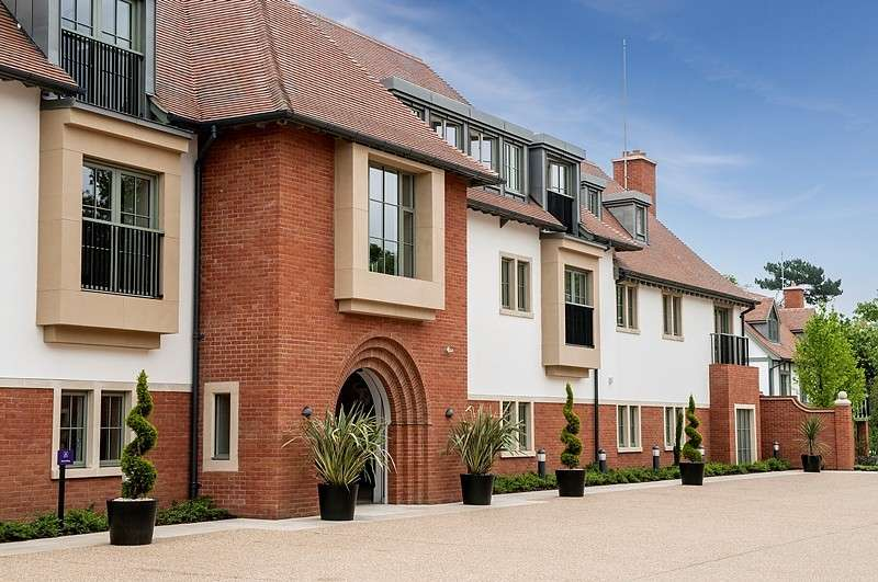 2 Bedrooms Apartment Flat for sale in Chalfont House, Audley Chalfont Dene, Rickmansworth Lane, Chalfont St Peter, SL9