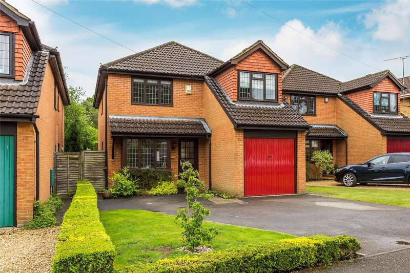 4 Bedrooms Detached House for sale in Sandy Lane, Woking, Surrey, GU22