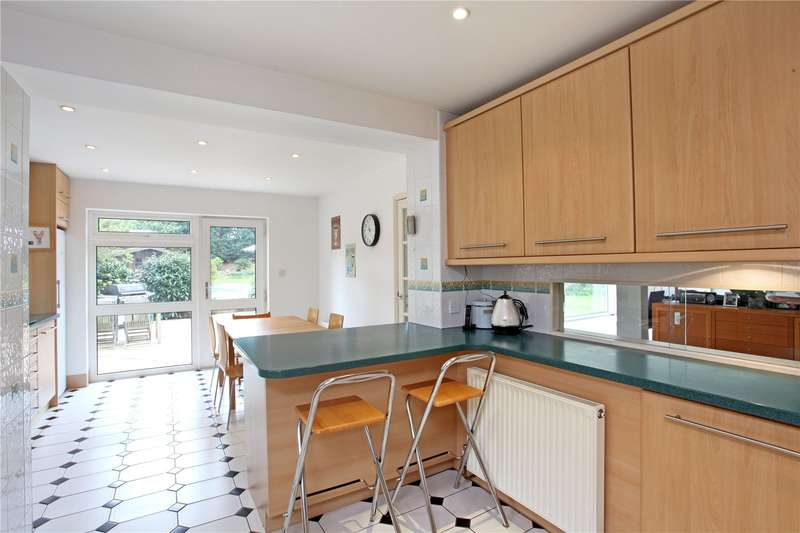 6 Bedrooms Detached House for sale in Ashley Close, Walton-on-Thames, Surrey, KT12