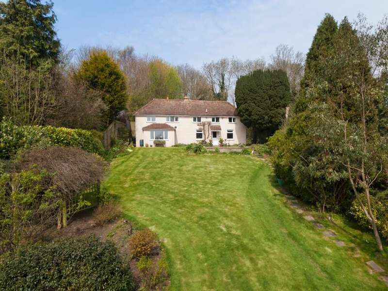 4 Bedrooms Detached House for sale in Church House, Old Hawkinge, Folkestone, CT18