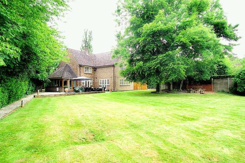 5 Bedrooms Detached House for sale in West Broyle Drive, Chichester PO19