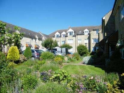 1 Bedroom Flat for sale in Blenheim Court, Back Lane, Winchcombe, Cheltenham
