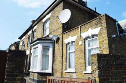2 Bedrooms Flat for sale in Turnpike Lane, Hornsey