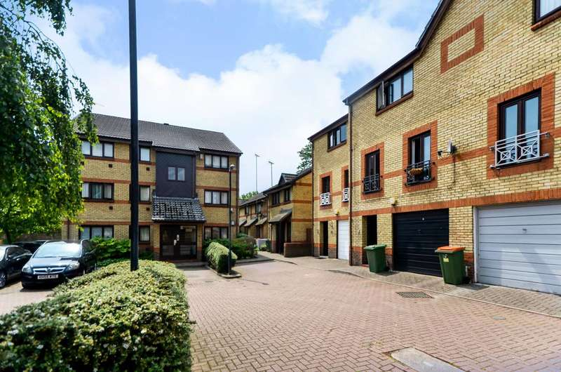 1 Bedroom Flat for sale in Rawsthorne Close, Silvertown, E16
