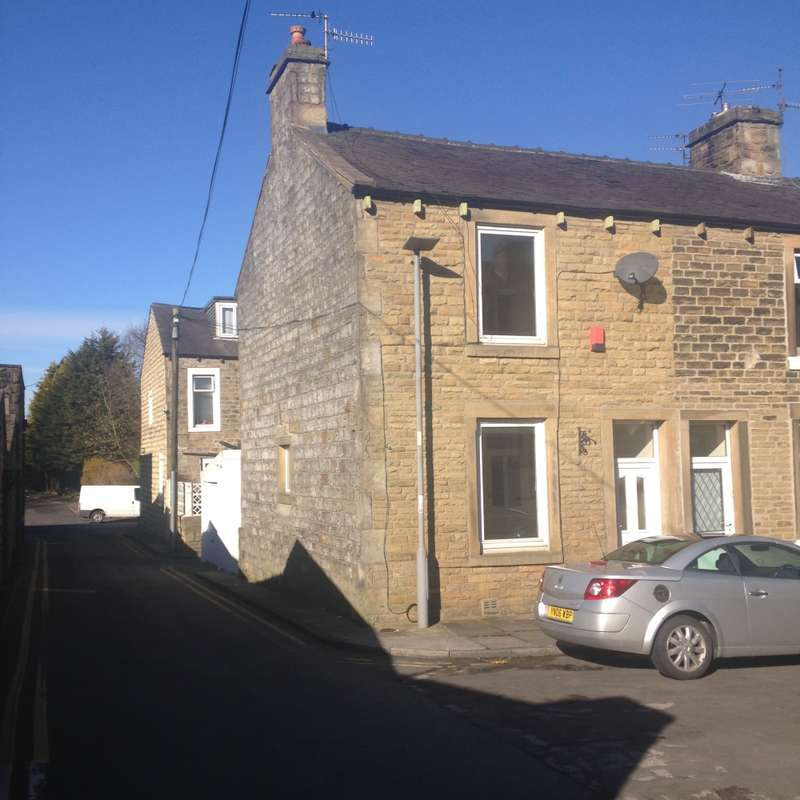 3 Bedrooms Terraced House for sale in Arthur Street, Sough, Lancashire, BB18