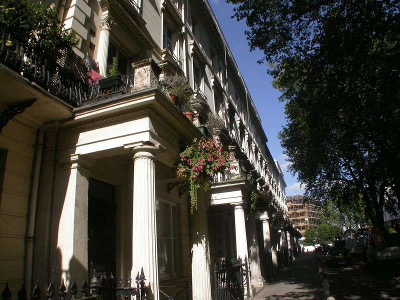 2 Bedrooms Flat for sale in Westbourne Terrace, Paddington W2