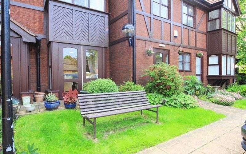 1 Bedroom Flat for sale in Tudor Court, Aigburth, Liverpool, L19