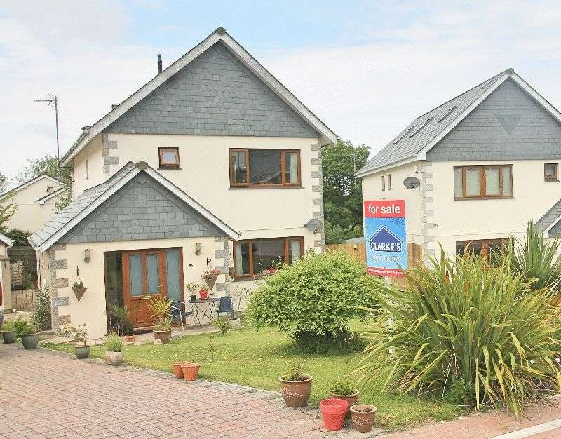 4 Bedrooms Detached House for sale in Jenner Gardens, ST COLUMB MAJOR