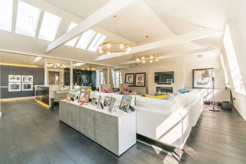3 Bedrooms Flat for sale in Soho Square W1, Soho, W1D