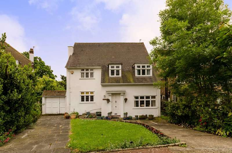 4 Bedrooms Detached House for sale in Kenwood Drive, Beckenham, BR3